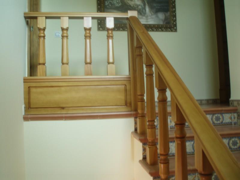 Barandillas de madera rusticas elegant cheap ejemplo de for Escaleras de madera rusticas